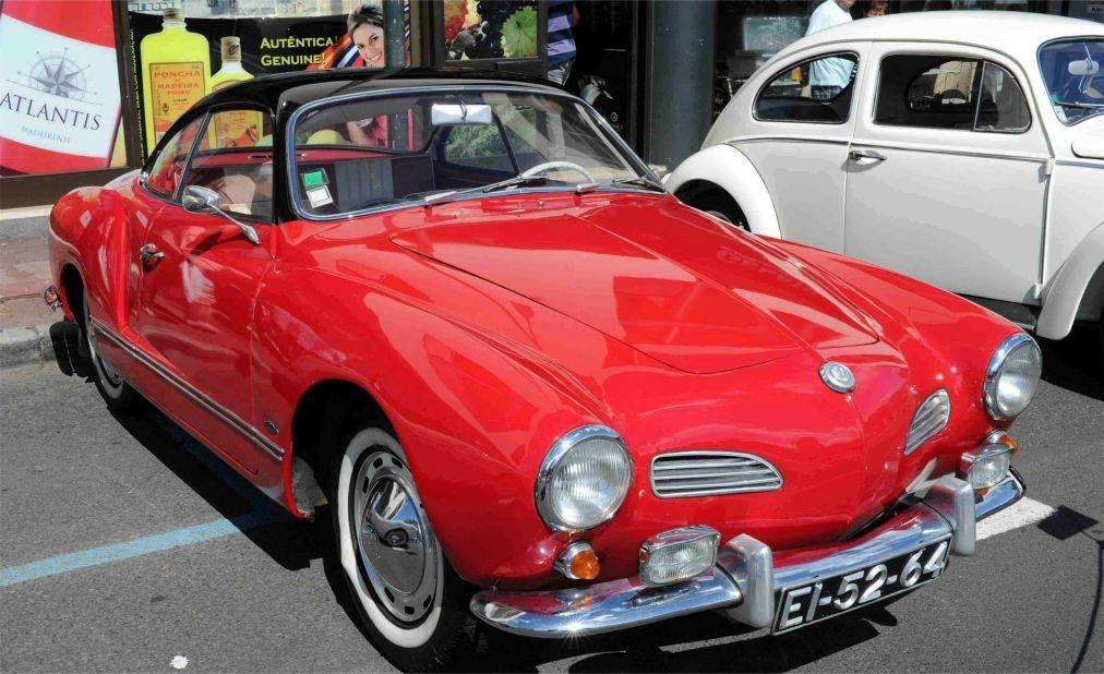 Выставка исторических автомобилей в Фунчале 2a8fbc4ab6f4a1df9bfa443890905644.jpg