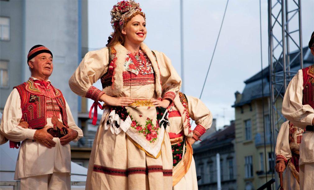 Международный фольклорный фестиваль в Загребе 2a907edaf4adb4d402b5e64ab1f3f7e1.jpg