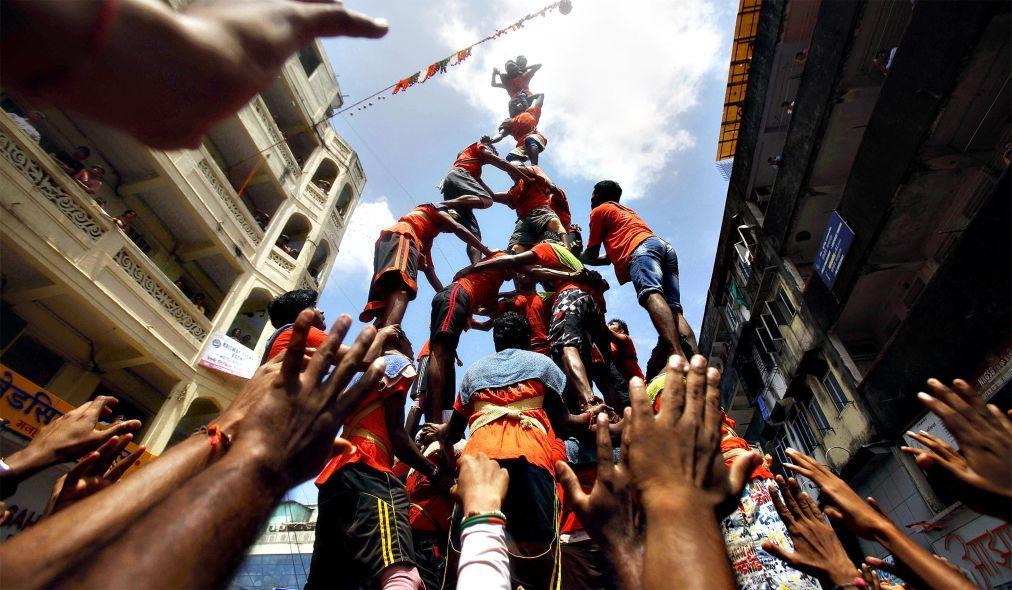 Праздник Кришна-Джанмаштами в Индии 2bfedd8960837fb898dfb3d5a604114e.jpg