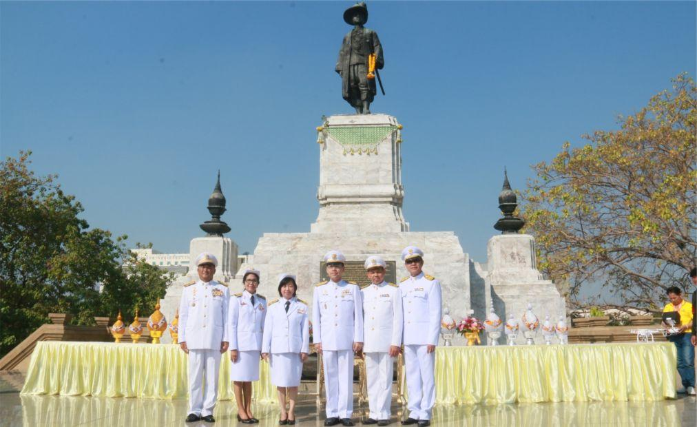 День Конституции в Таиланде 2d6c588de23906ddfabae603c1627457.jpg