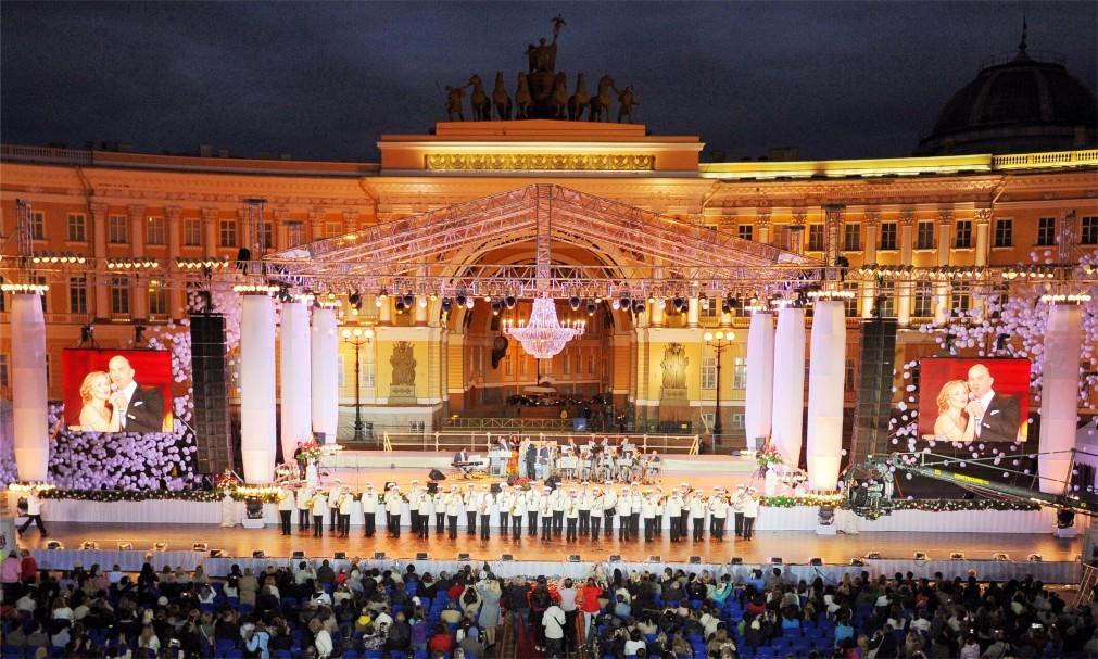 День города в Санкт-Петербурге 2f51d7f20c51a710970cddfe30804d91.jpg