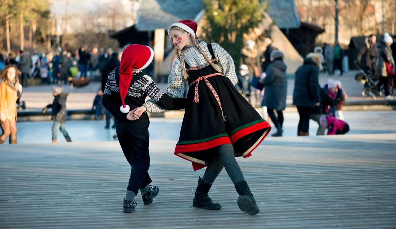 Рождественская ярмарка в Этнографическом музее Осло 2f75b8e76cd16004f3b04de14a2ce043.jpg