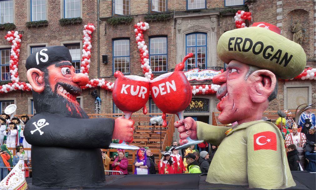 Дюссельдорфский карнавал 315d6b3d33df5e8dda44ba357c724bc9.jpg