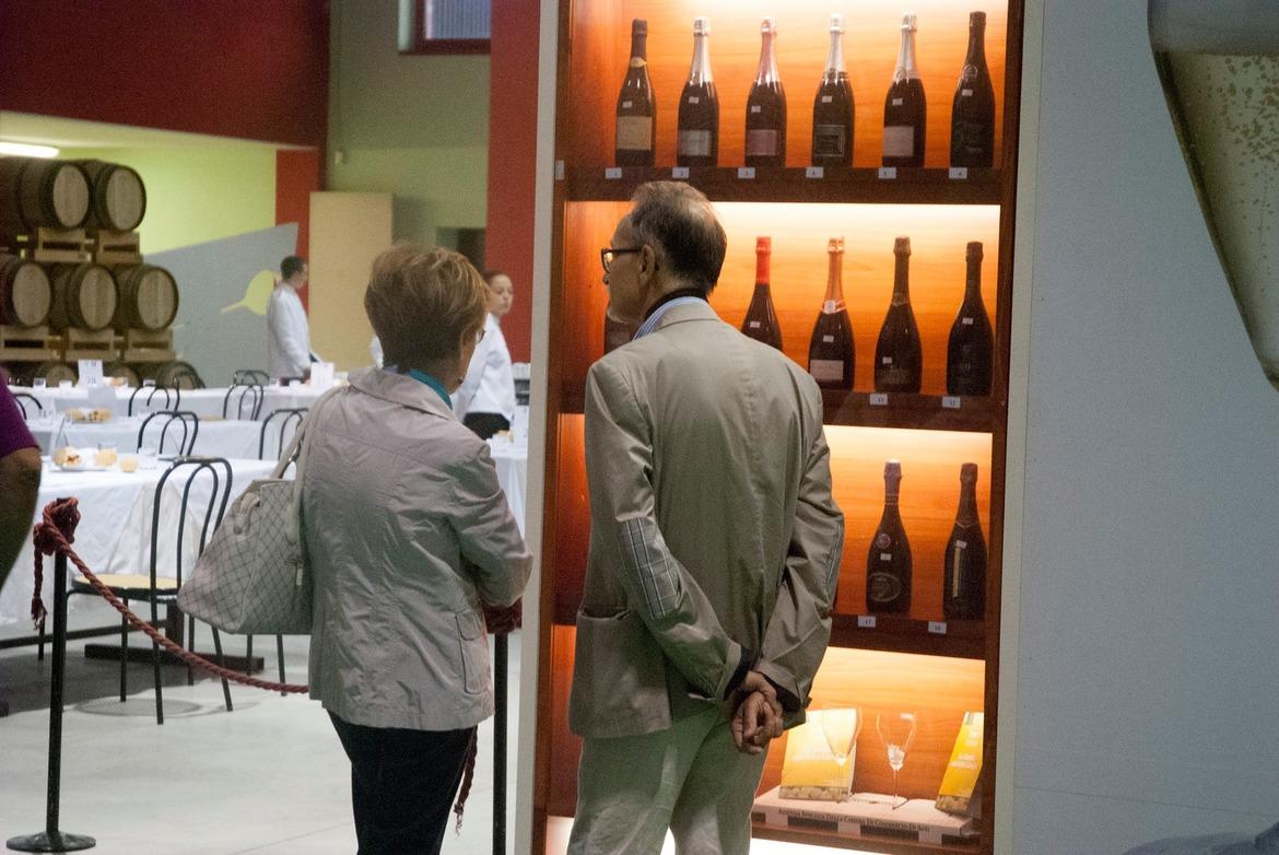 Фестиваль вина «Дуйа д'Ор» в Асти 323b69d6047ebb919cc78907bf88a73b.jpg