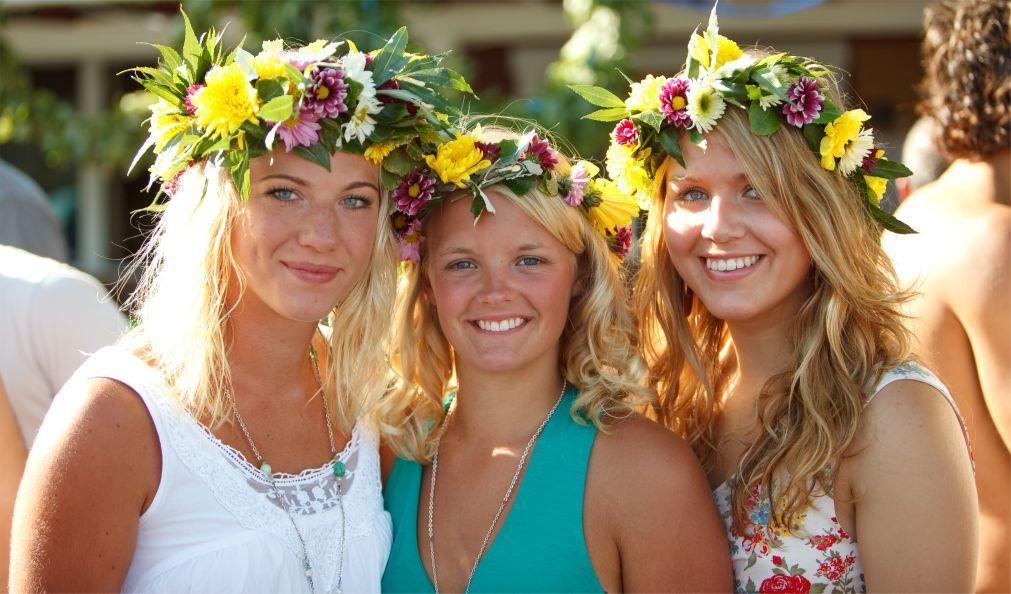 Праздник середины лета Мидсоммар в Швеции 35856715da1093100af4462032a1a141.jpg
