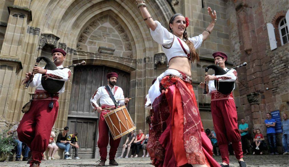 Средневековый фестиваль «Гранд Фоконье» в Корде-сюр-Сьель 35a71d9d4e6a4645592b8e3d1ca14cb1.jpg