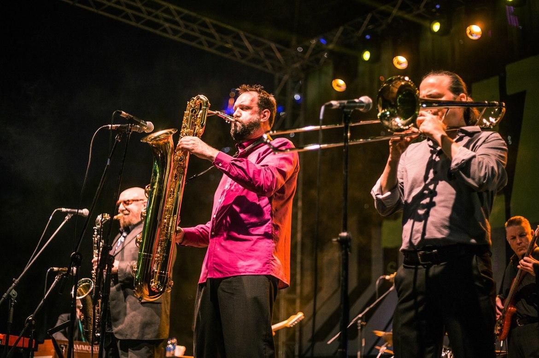 Дубайский джазовый фестиваль 39c95eb4e28a415f38838bee37436bce.jpg