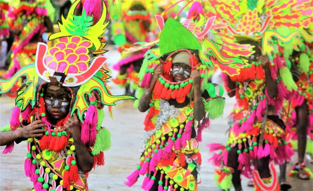 Фестиваль Ати-Атихан в Калибо 3a9986c4c8a3034ba19ce25167a79b0b.jpg