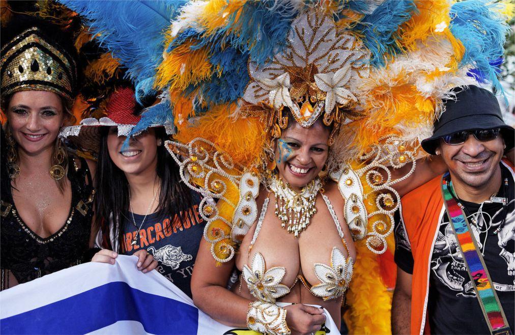 Латиноамериканский парад в Нью-Йорке 3b0cbb060baaab450e2b029ad73a9c23.jpg