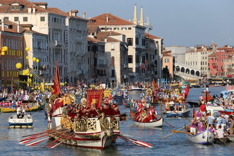 Историческая регата в Венеции 3b4aa118fd40dc811a1257ac6929b861.jpg