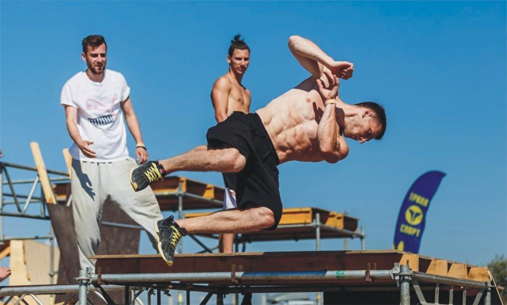 Международный фестиваль экстремальных видов спорта «EXTREME Крым» 40128c92732551e5ff0c991f90a4f01f.jpg