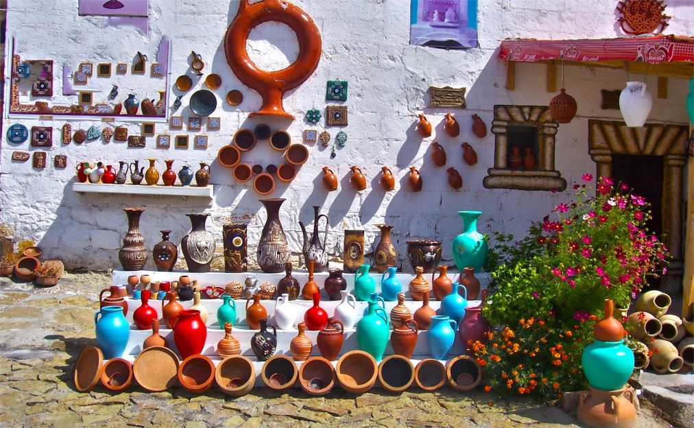 Фестиваль глиняной посуды в Аваносе 40a455365550db097e4c6ad464c28091.jpg
