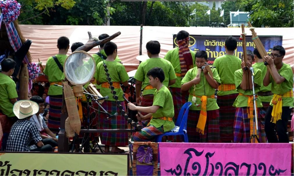 Фестиваль «Тхунг Си Мыанг» в Удон Тхани 42e3b54c0f46d2484cebe5d17e847c4c.jpg