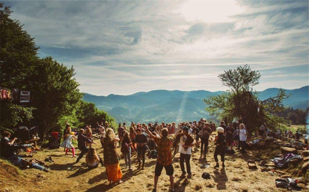 Фестиваль Meadows in the Mountains в Полковник-Серафимово 44b7dd89de7f7e1691a36ded20b7d608.jpg