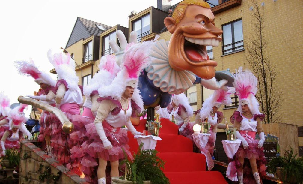 Карнавал в Алсте 46ad457cded5fea6f8b6092c44114070.jpg