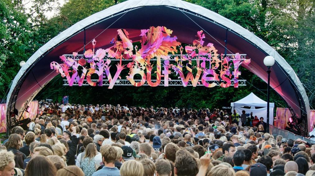 Музыкальный фестиваль Way Out West в Гётеборге 47338105eaa1a9037943e5b1be23408f.jpg