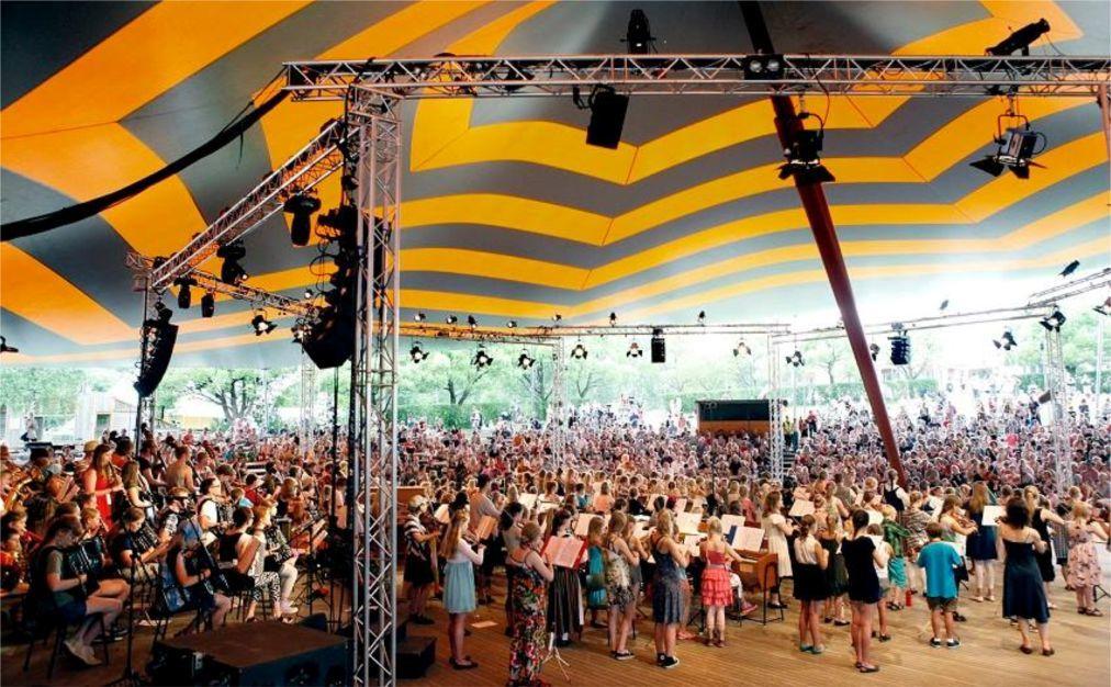Международный фестиваль фолк-музыки в Каустинене 47db2320a8b0380ff2926555ed2c205c.jpg