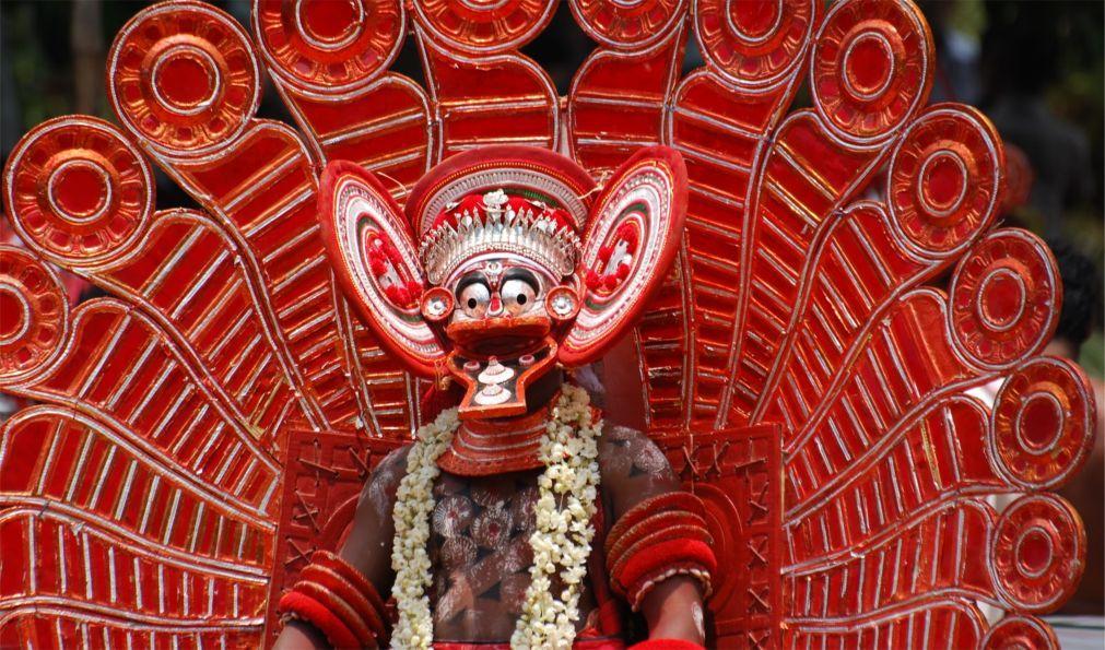 Фестиваль Тейям в Керале 4858b391b0ec1b544f39067dc1bec35d.jpg