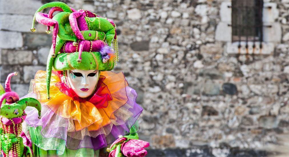 Венецианский карнавал в Анси 48767faba00358dd77f4d5fc2f5686ee.jpg