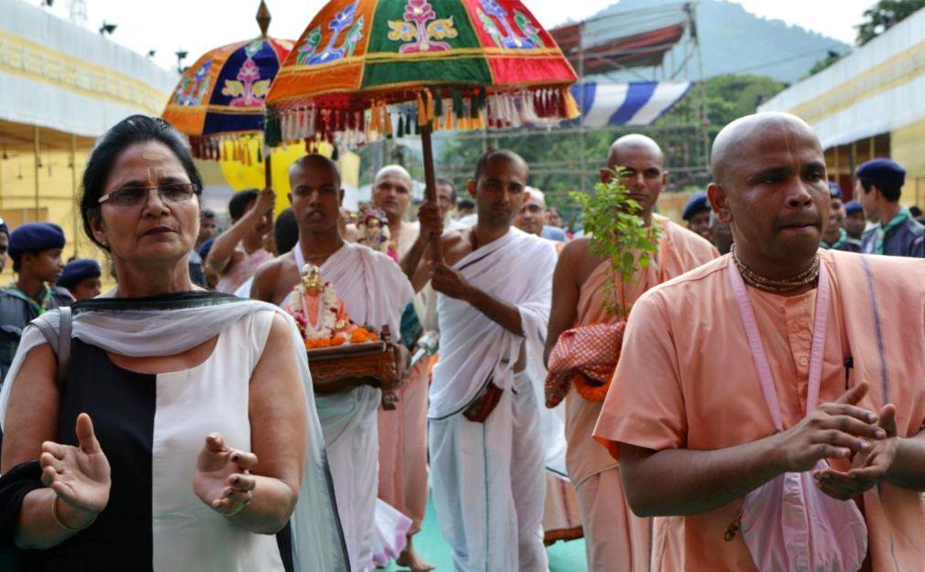 Праздник Кришна-Джанмаштами в Индии 487952f84f440b10195084bd233ca93e.jpg