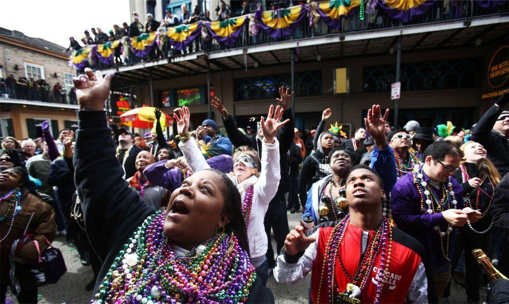 Карнавал Марди Гра в Новом Орлеане 4e4f87941856ea11b5c56d1c1779c69c.jpg