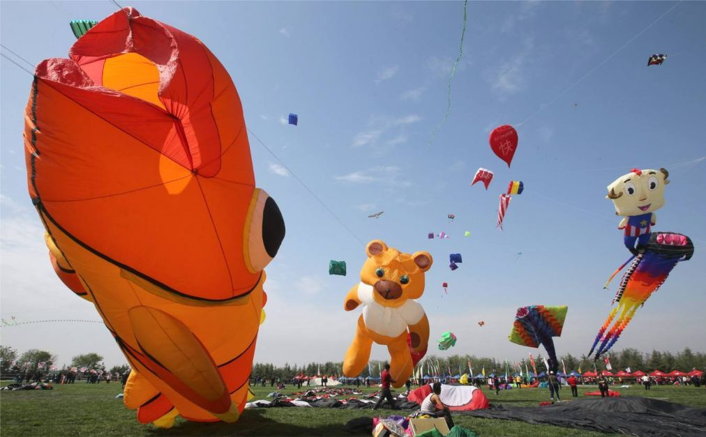 Международный фестиваль воздушных змеев в Вэйфане 5038202cbc484507607a4aa8b5945d83.jpg