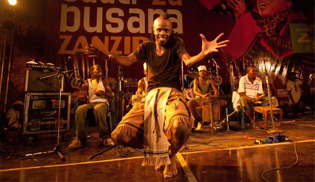 Музыкальный фестиваль Sauti za Busara в Стоун Тауне  526d1c90a9153bdd753833a046a04d14.jpg
