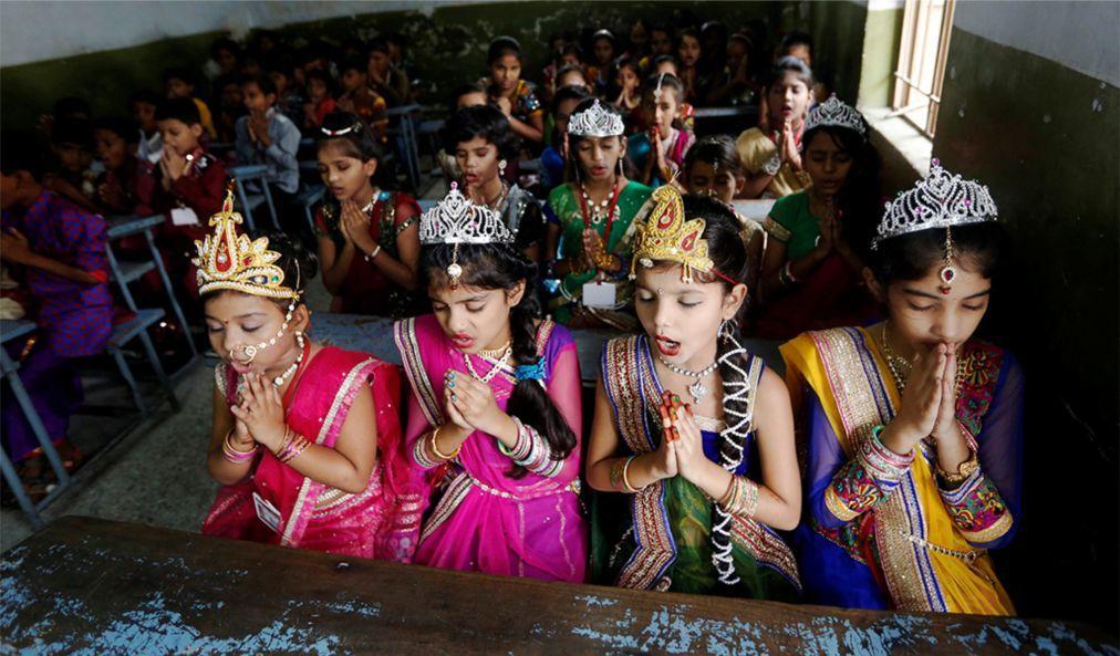 Праздник Кришна-Джанмаштами в Индии 55dacd2dce89ff59e477a26a47e5ba3c.jpg