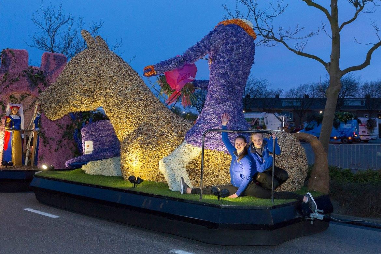 Парад цветов Bollenstreek в Нидерландах 57f2ce58bacf1d6eb4cc1d8704063ac1.jpg