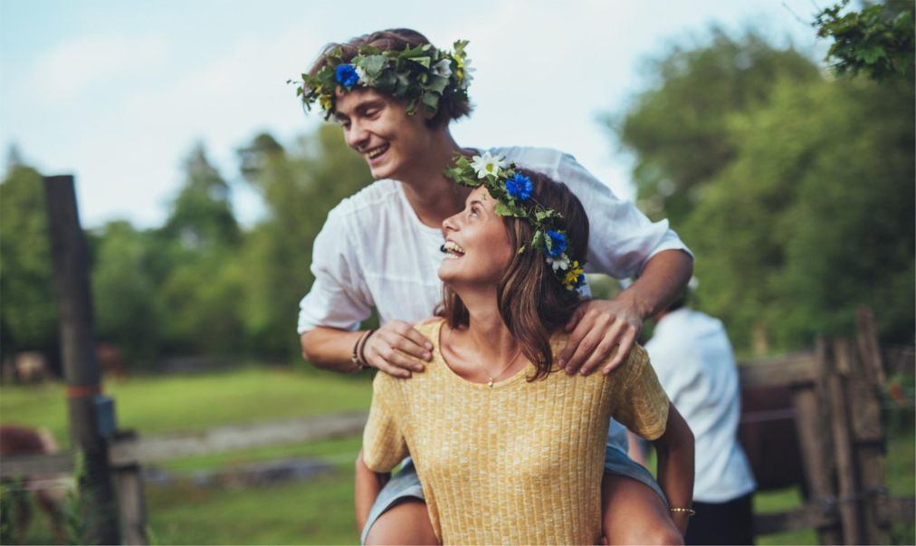 Праздник середины лета Мидсоммар в Швеции 59ae6be3adac59a4020962587b73a36e.jpg