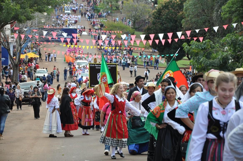 Фестиваль иммигрантов в Обере 5b72847c7c0a7a67e4cbac95ea0e4ace.jpg