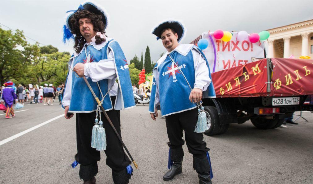 Карнавальное шествие «Карнавалетто» в Сочи 5c1b7bc6848a0a0a9c35cb7c8dcab228.jpg