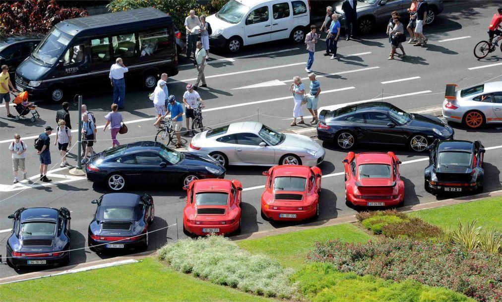 Выставка исторических автомобилей в Фунчале 5fbd6cb8cee24a1d42059488b6cd29b3.jpg