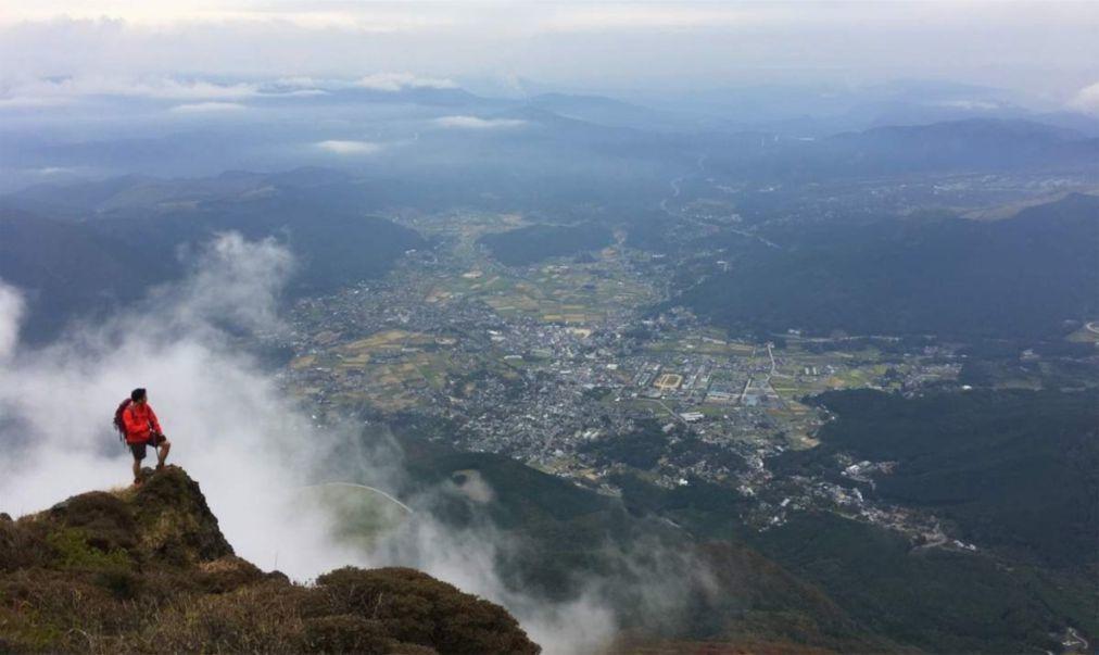 День гор в Японии 6136ac76020545bb3fc53236d4343fd0.jpg