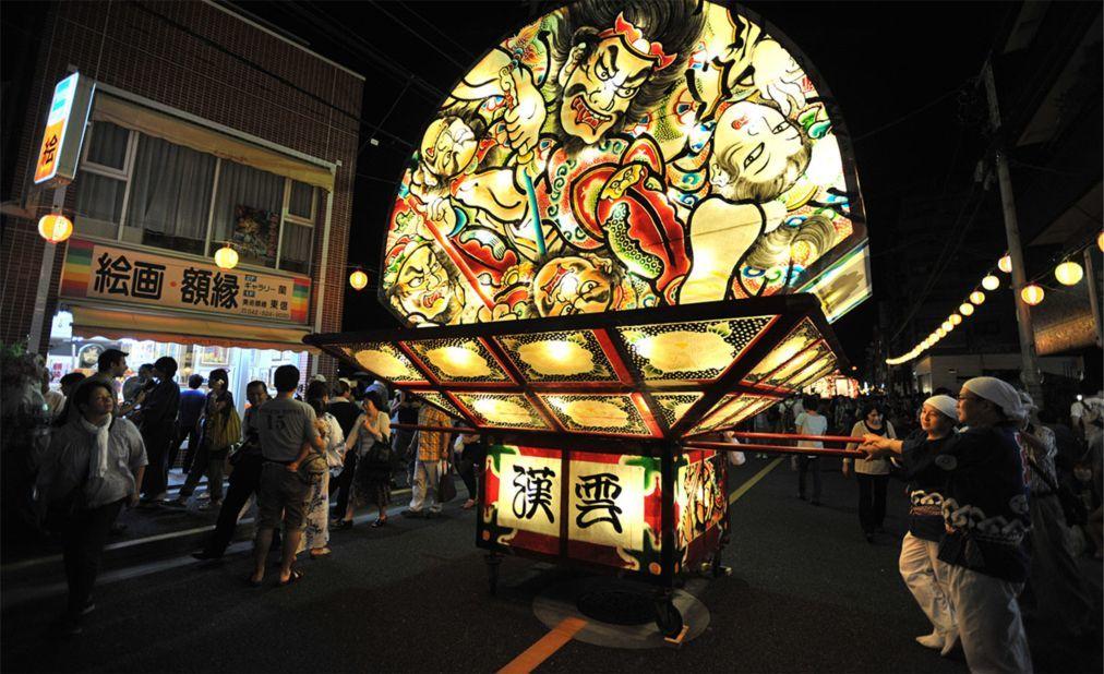 Фестиваль фонарей Небута Мацури в Аомори 688f840bc952b5fbce1aa3f51955b4b3.jpg
