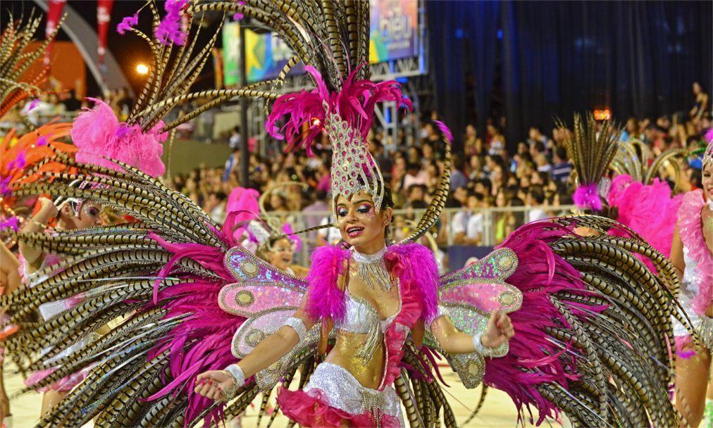 Карнавал в Энкарнасьоне 69b21344d3f07efdf055981bcee72d20.jpg