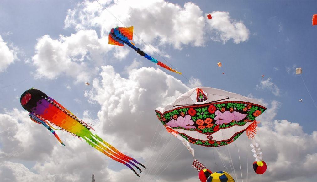 Международный фестиваль воздушных змеев в Вэйфане 6b3af7d8f9de30a35b16563b68c7fe01.jpg