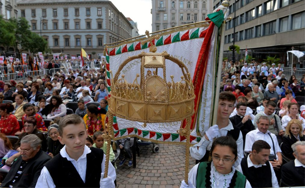 День Святого Иштвана в Будапеште 6e2aa0a3d52c137ca5c8c5e6ce5e8269.jpg