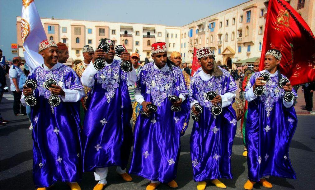 Фестиваль гнауа и этнической музыки в Эссуэйре 6eb500461a48a02f03a16d3c54ecab27.jpg