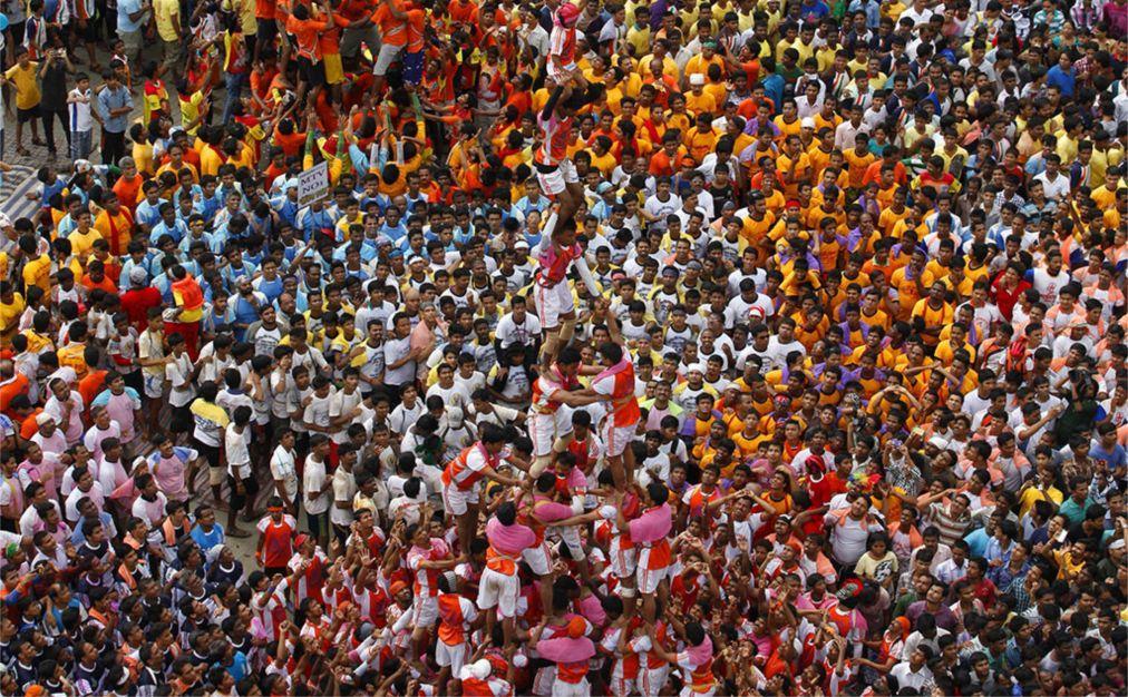 Праздник Кришна-Джанмаштами в Индии 6f2643026974a01c9c4580b1ea867a8a.jpg