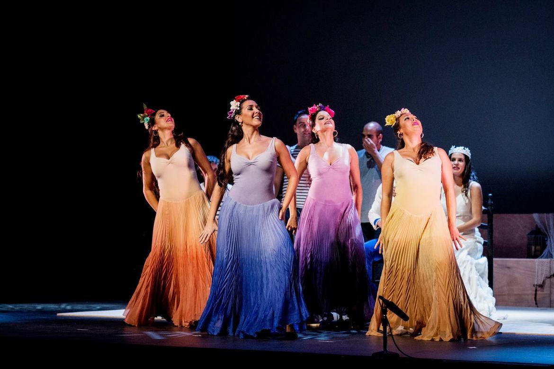 Биеннале фламенко в Севилье 70b669f83b5f82714e745cd895b2ecfe.jpg