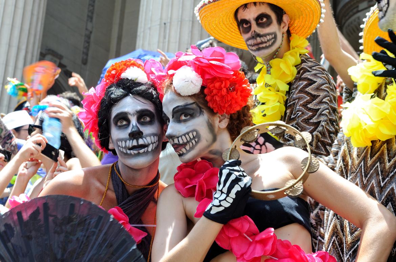 День Мёртвых в Мексике 74caf36a8a304f16ddcd96df1553145a.jpg