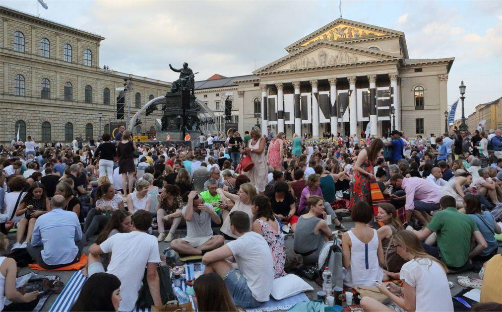 Мюнхенский оперный фестиваль 7565caee4694a568fe29e4fd50f30737.jpg