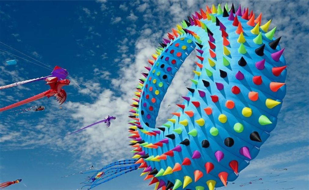 Международный фестиваль воздушных змеев в Вэйфане 76d13286c25a4db2145f0b48edb473cc.jpg