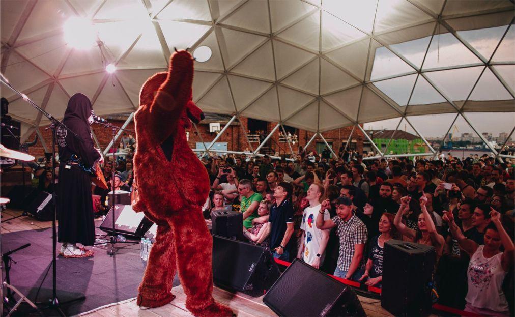 Музыкальный фестиваль Roof Music Fest в Санк-Петербурге 76dec65295dab1c0a3b35ee027552c86.jpg