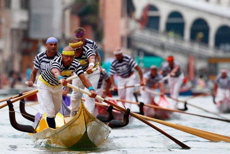 Историческая регата в Венеции 77614a3c168d640af3b645e1694bc60a.jpg