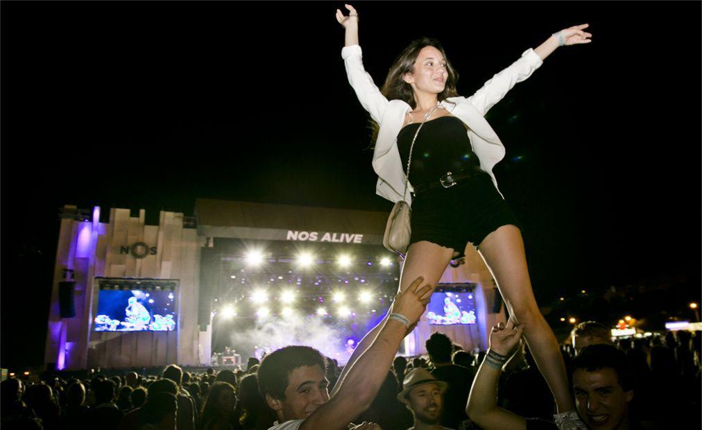 Музыкальный фестиваль NOS Alive в Лиссабоне 7862f5ad2eae162adce033d575c8fbf5.jpg