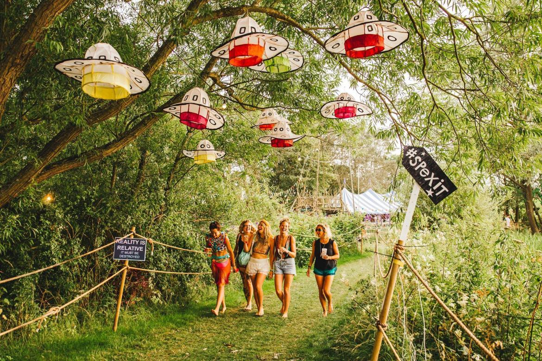 Музыкальный фестиваль Secret Garden Party в Хантингтоне 7880b568bfdde42360428e018ede13b2.jpg