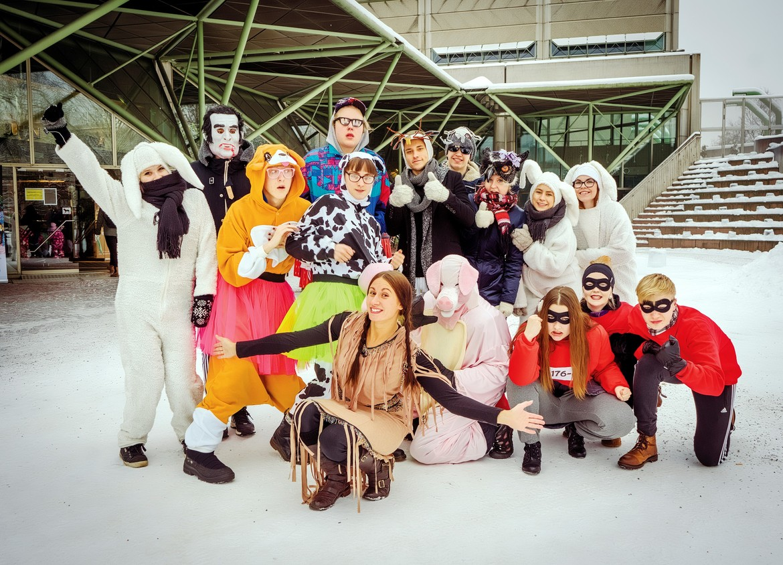 Зимний детский карнавал в Лахти 7b7362bf89ca3ead72e070b28228f77e.jpg