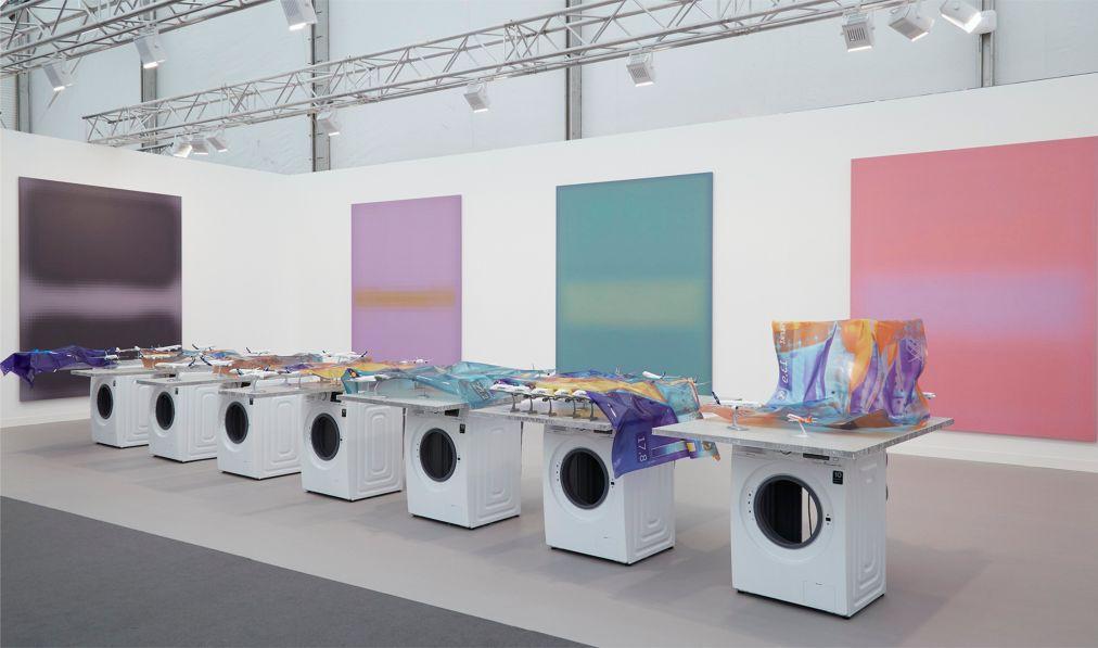 Ярмарка современного искусства Frieze Лондоне 7b87cbfca053c29ce7786a53892f4855.jpg